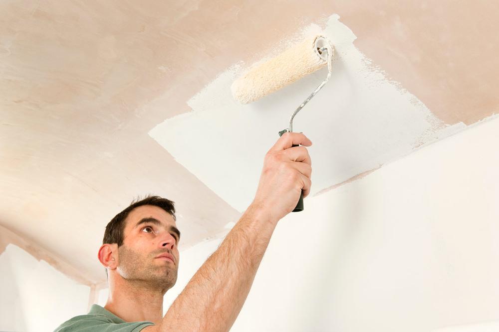 Приемы окрашивания стен и потолков фото